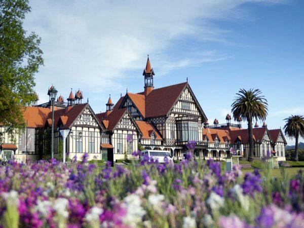 Rotorua tours. The famous Museum